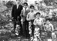 Bambini con la palma di Pasqua