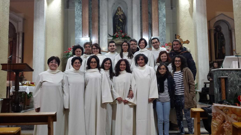 Il Coro San Luigi Gonzaga durante la Messa di Natale 2015 di Amantea alla Chiesa dei Cappuccini