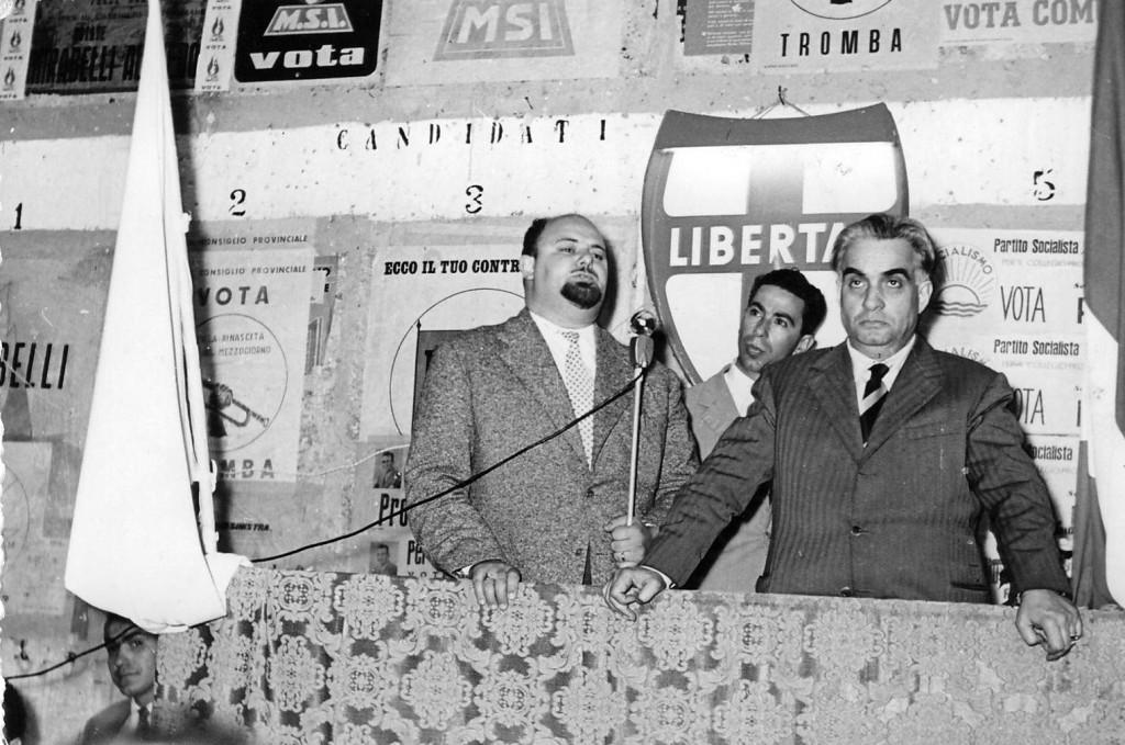 il dot Marinaro col Ministro Cassiani e Pierino Policicchio in un comizio elettorale.