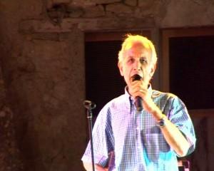 Esibizione del Cantante Rocco Sposaro