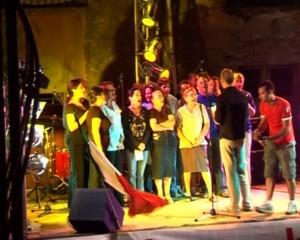 Esibizione del Coro Popolare (1)